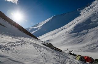 Над лагерем 2 (5400м)